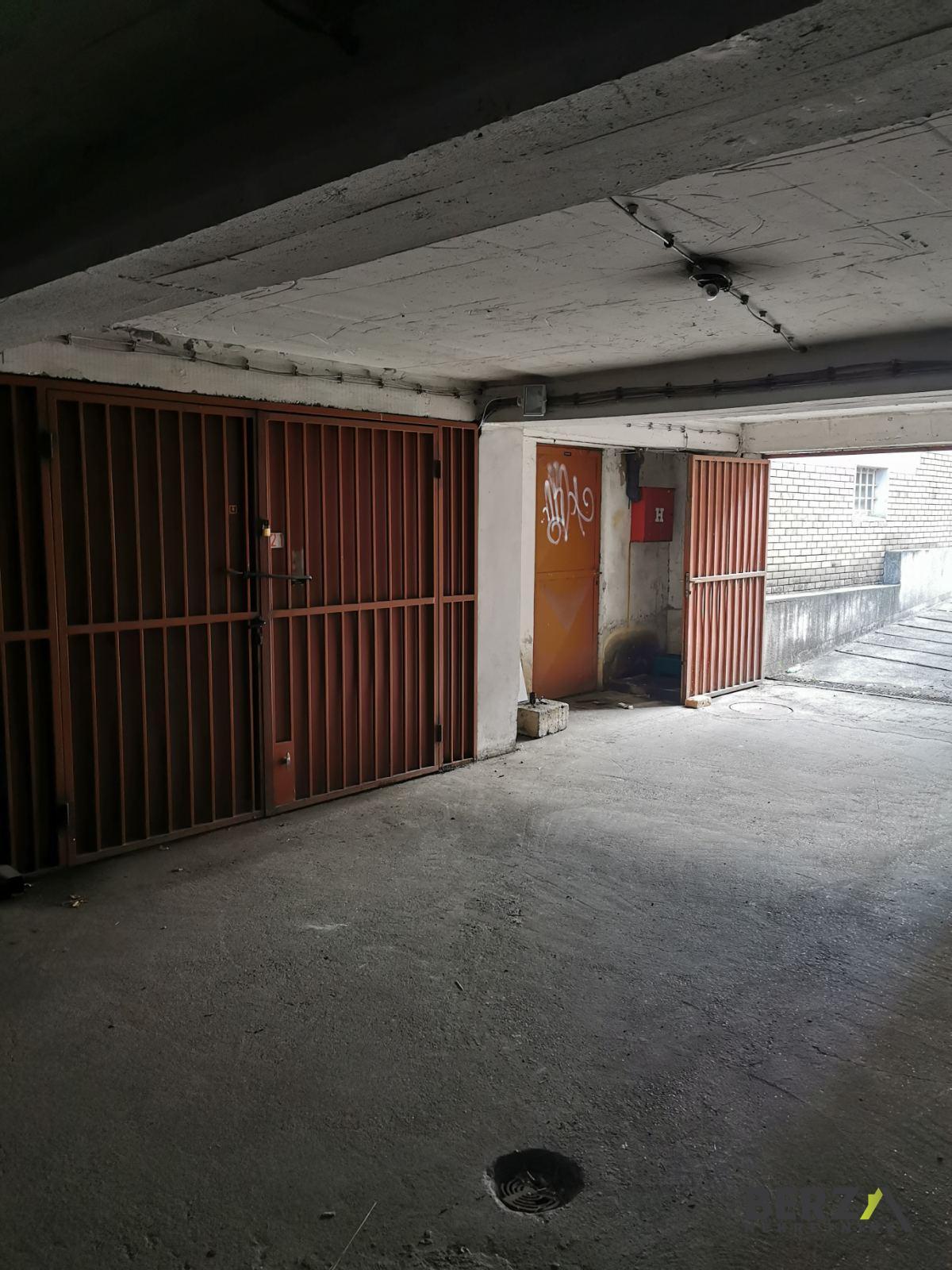 garaža - NOVI SAD - PODBARA - 9000022